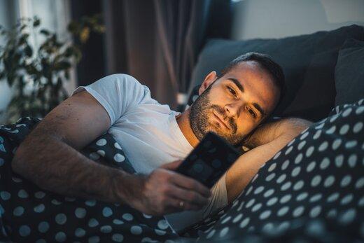بدترین کارهایی که مردم قبل از خواب انجام میدهند